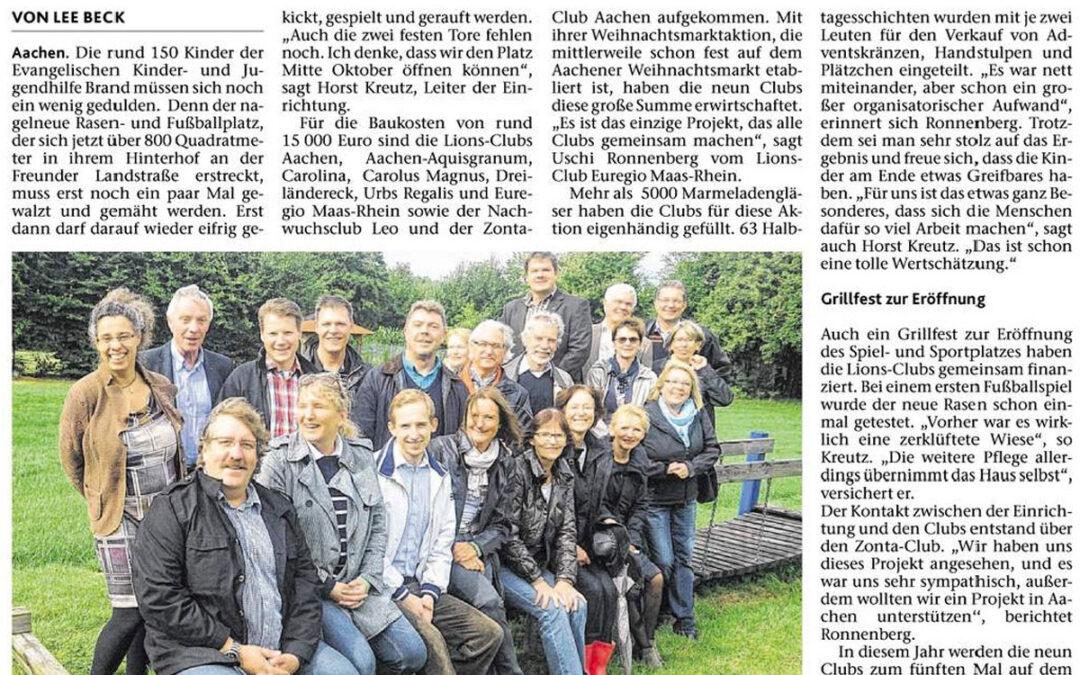 """Oktober 2013: """"800 Quadratmeter zum Kicken und Toben"""""""
